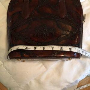 Extra pix vintage leather bag.